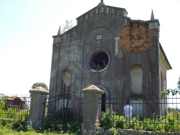 Uratujmy kaplicę i cmentarz w Kolędzianach