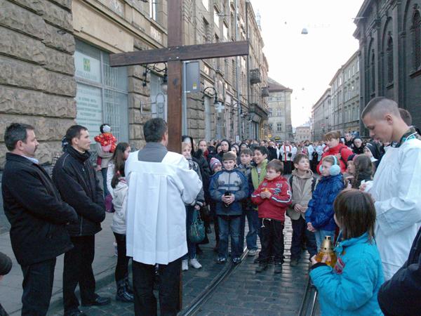 Droga Krzyżowa ulicami Lwowa