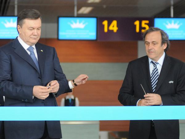 Otwarto nowy terminal lotniczy przed Euro 2012!