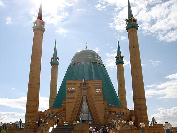 Meczet w Pawłodarze (Fot. en.wikipedia.org)