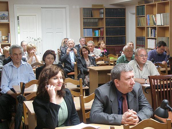Wiktoria Malicka i konsul RP we Lwowie Marian Orlikowski (Fot. Jurij Smirnow)