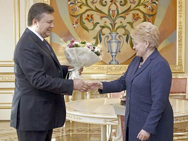 Grybauskaite ostrzega Janukowycza przed izolacją