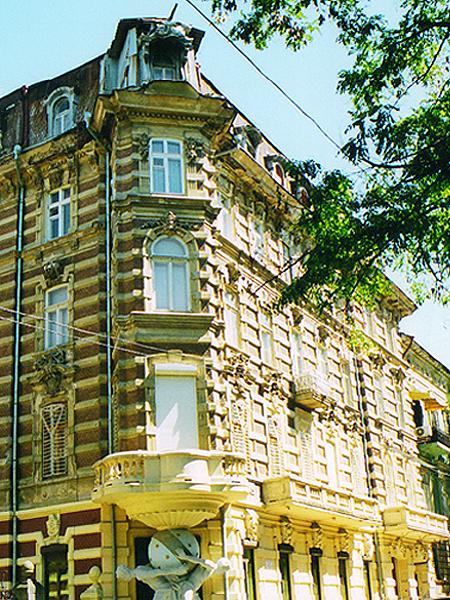 Budynek zaprojektowany przez Lwa Włodka (Fot. Zbigniew Żyromski)