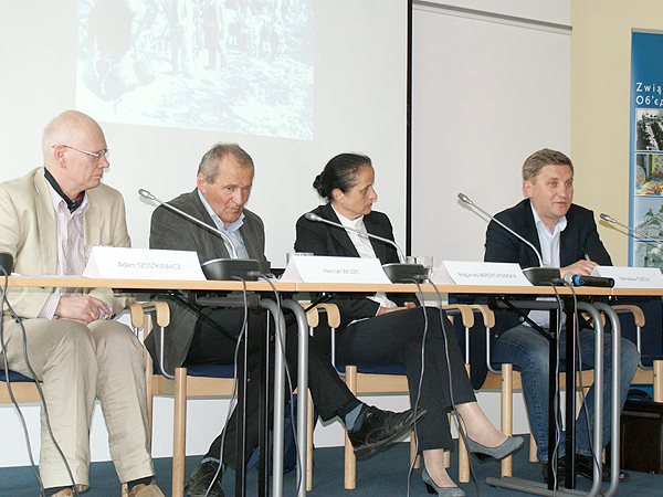 Adam Szostkiewicz (od lewej), Henryk Wujec, Bogumiła Berdychowska, Mirosław Czech (Fot. Grzegorz Spodarek)