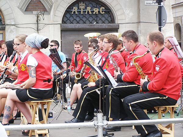 Młodzieżowa orkiestra dęta z Rostarzewa w Poznańskiem (Fot. Jurij Smirnow)