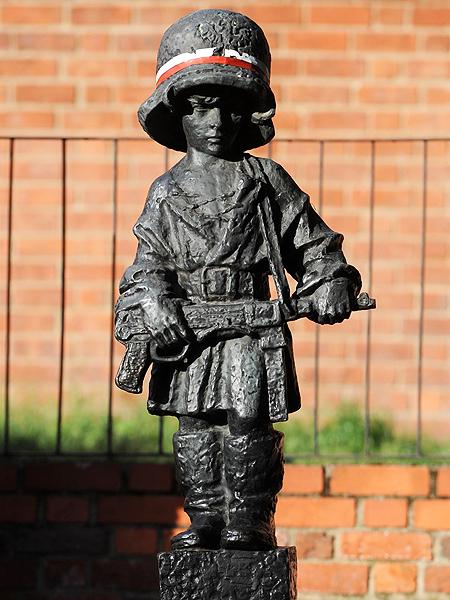 Pomnik Małego Powstańca (Fot. en.wikipedia.org)