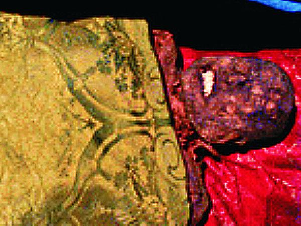 Mumia z krypty Oleśnickich na Świętym Krzyżu do tej pory uznawana za zwłoki Jaremy (Fot. kryminalistyka.fr.pl)