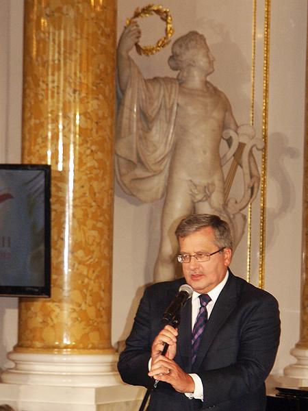 Życzę uzasadnionej dumy z Polski – Bronisław Komorowski
