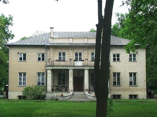 Dwór Zabłockich w Rybnie koło Sochaczewa (Fot. rybno.waw.pl)