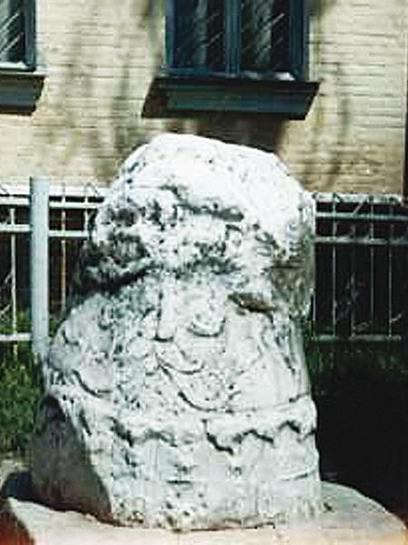 Tyle zostało z pałacu Jeremiego w Łubniach. Chłopi byli bardzo dokładni (Fot. jarema.art.pl)