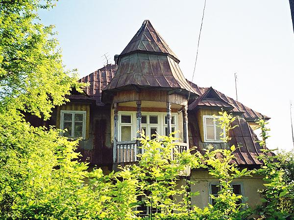 Stara willa w Kosowie (Fot. Marcin Romer)