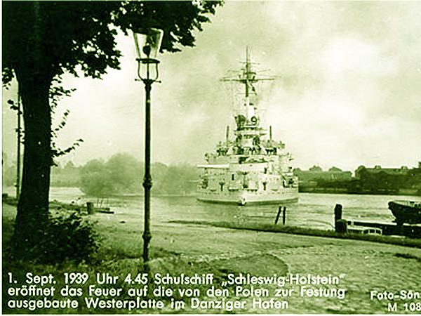 """Okręt szkolny """"Schleswig-Holstein"""" otworzył ogień do Westerplatte w gdańskim porcie (Fot. podhorski.salon24.pl)"""