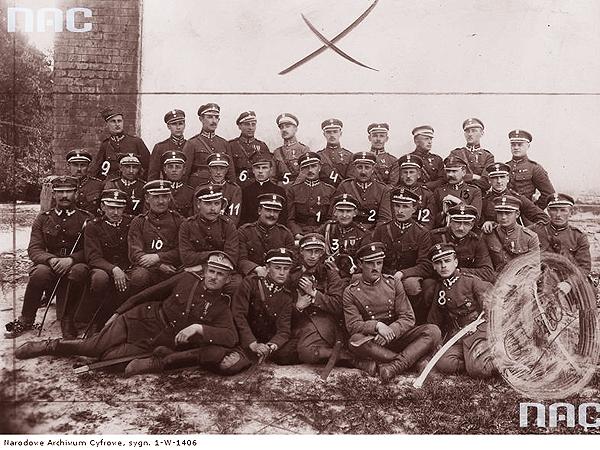 Korpus oficerski 14 Pułku Ułanów Jazłowieckich we Lwowie (Fot. NAR)