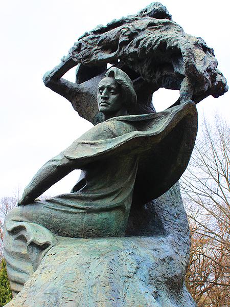 Pomnik Fryderyka Chopina w Parku Łazienkowskim w Warszawie (Fot. Krystyna Łokietko)