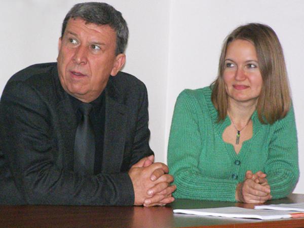 Konsul RP we Lwowie Marian Orlikowski i kierownik Katedry Filologii Polskiej dr Ałła Krawczuk (Fot.
