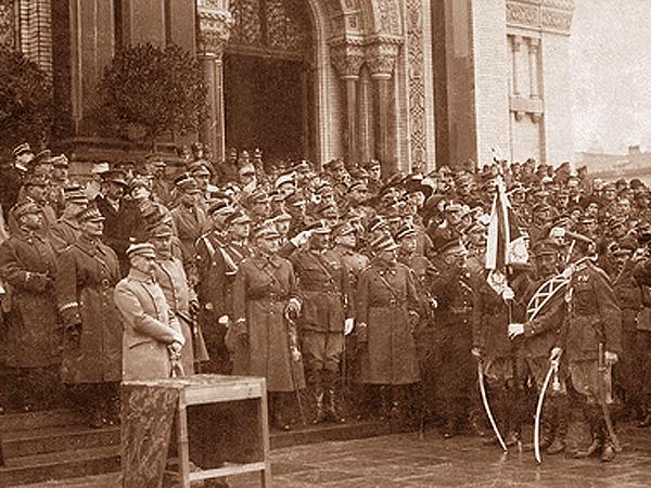 Warszawa, 1920 r. Uroczystości związane z zakończeniem wojny polsko-sowieckiej – Sobór Prawosławny na placu Saskim (Fot. phw.org.pl)