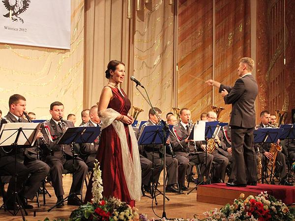 Orkiestra Reprezentacyjna Polskich Sił Powietrznych z pompą zagrała w Winnicy
