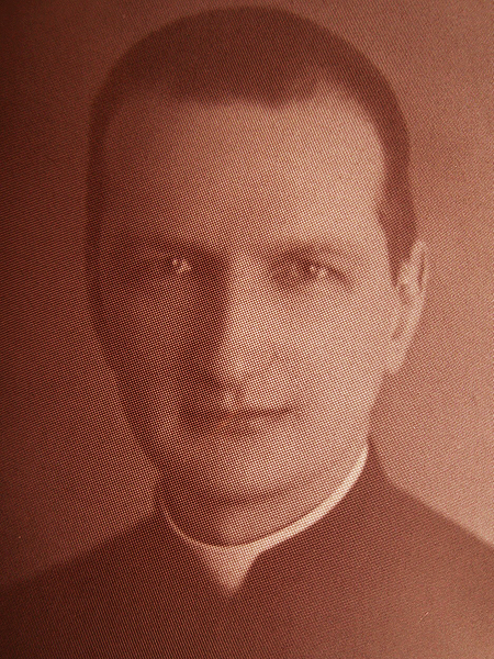 Wikary, a od 1945 r. proboszcz w Złoczowie ks. Jan Cieński (Fot. Archiwum parafii)