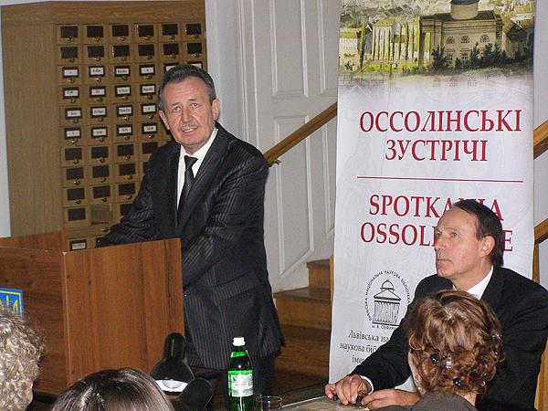Dyrektor Myrosław Romaniuk (od lewej) i prof. Stanisław Nicieja (Fot. Jurij Smirnow)