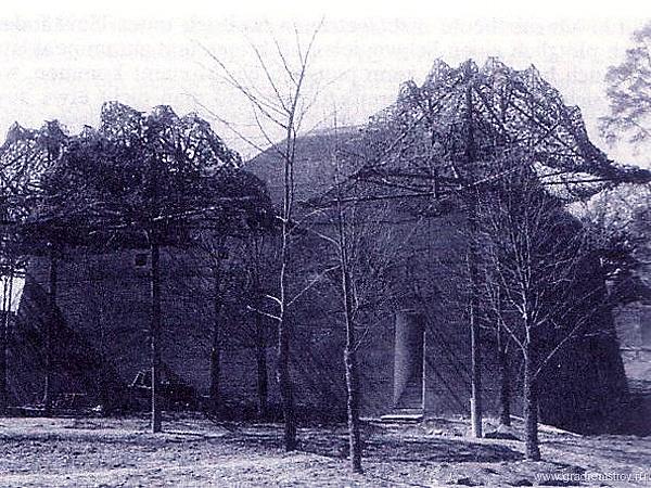 Sztuczne drzewa (Fot. Bundesarchiv)