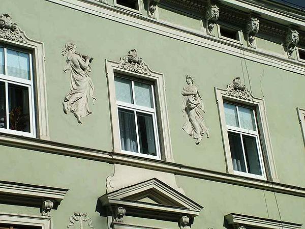 Budynek po firmie zachował się i znajduje się przy ulicy Kopernika 16 (Fot. organy.lviv.ua)