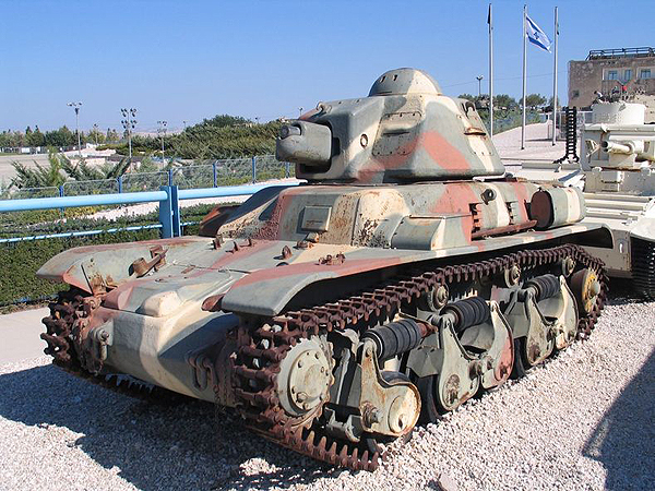 Lekki czołg francuski R-35 (Fot. pl.wikipedia.org)