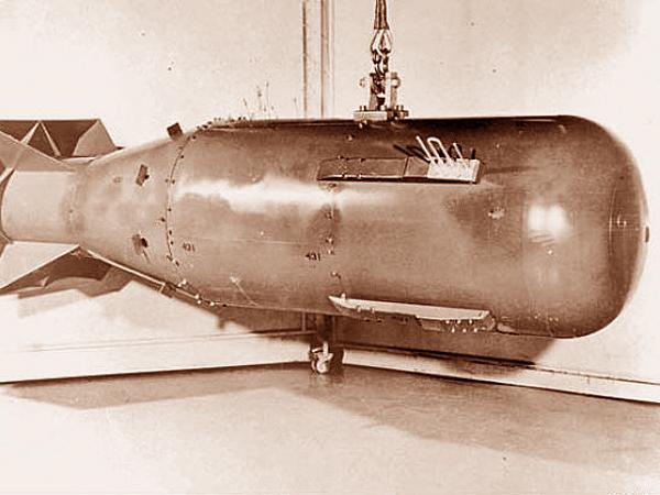 Pierwsza bania prezydenta Trumana. Little Boy, czyli Mały Chłopczyk. Materiał rozszczepialny – uran 235. Cel – Hiroshima (Fot. sfgate.com)