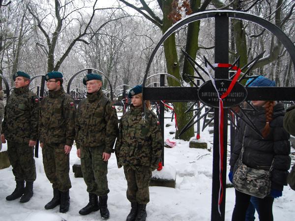 Podczas uroczystości w kwaterze Powstańców Styczniowych (Fot. Konstanty Czawaga)