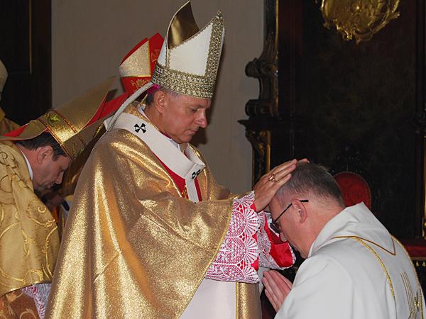 Sakra biskupia w Kamieńcu Podolskim