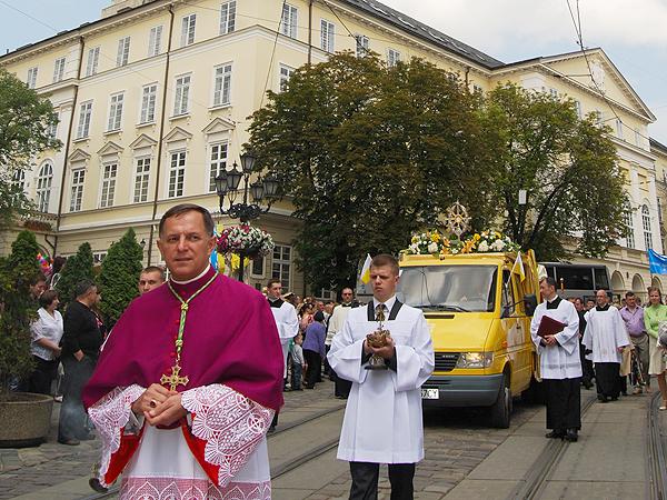 Od nowego papieża świat oczekuje odwagi