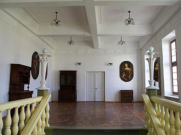 Wnętrza pałacu. Stan obecny (Fot. fotoforum.gazeta.pl)