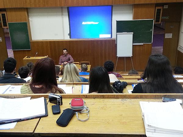 Jean Nowoselcew opowiada o dziennikarskich śledztwach (Fot. Sabina Malinowska)