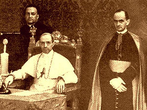 Ks. Meysztowicz, papież Pius XII, Mons. Montini. Castelgandolfo, 24.08.1939 r. (Fot. sosnowiecfakty.pl)