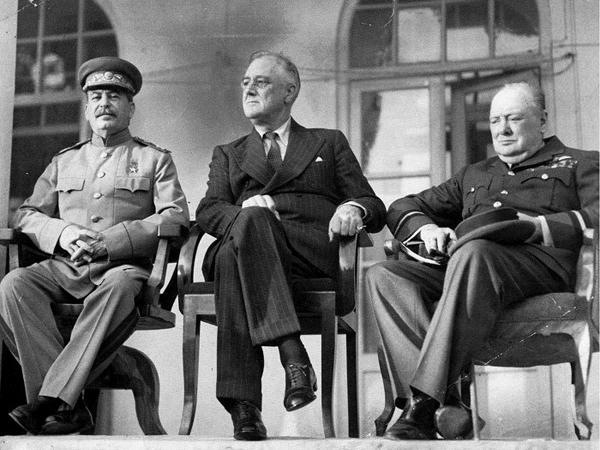 Architekci powojennej Europy – Wielka trójka w Jałcie-luty 1945 (Fot. pl.wikipedia.org)
