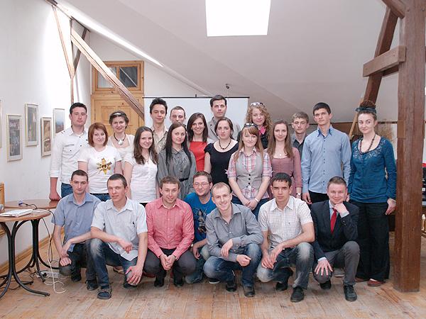 Członkowie Lwowskiego Klubu Stypendystów SEMPER POLONIA (Fot. Eugeniusz Sało)