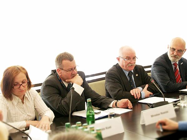 Zmienić system wspierania mediów polskich na Ukrainie