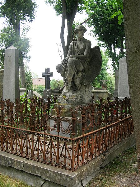 Pomnik na grobie Krówczyńskich (Fot. Jurij Smirnow)