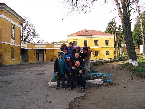 Dziś w dawnym pałacu jest Dom Dziecka (Fot. Dmytro Antoniuk)