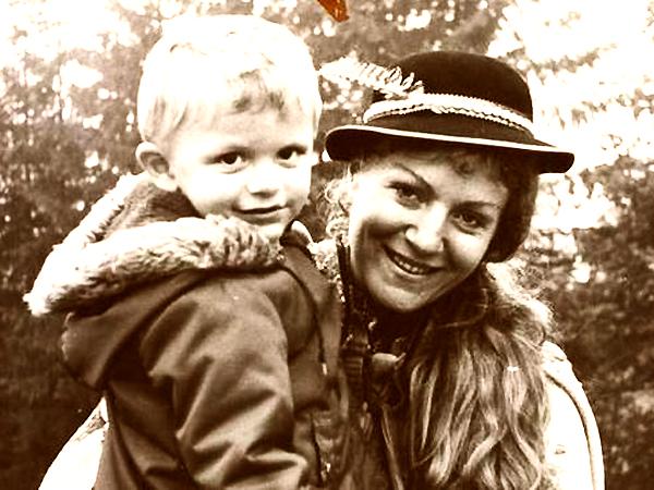 Anna German z synkiem (Fot. superseriale.se.pl)
