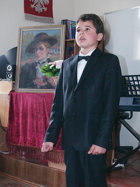 Dzieci recytują poezję Marii Konopnickiej (Fot. Eugeniusz Sało)
