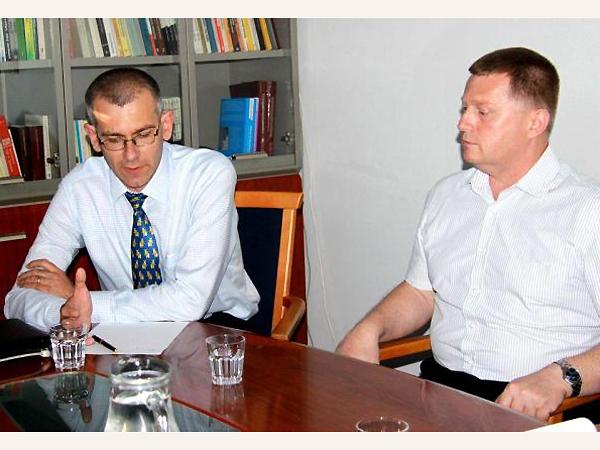 Prof. Grzegorz Motyka i dr Wasyl Rasewycz (Fot. rp.pl)