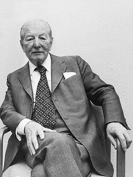 Pieter Menten, maj 1977r. (Fot. en.wikipedia.org)