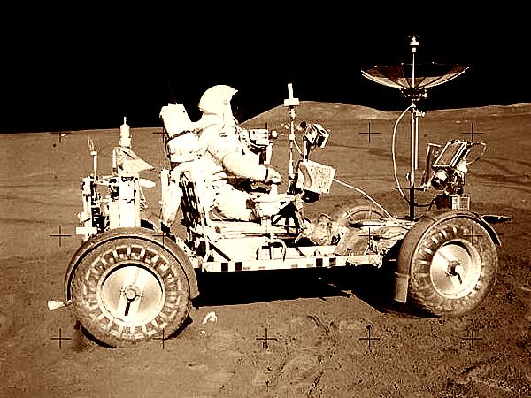"""Pojazd księżycowy """"Rover""""LRV"""", zaprojektowany przez Mieczysława Bekkera (Fot. blogmedia24.pl)"""
