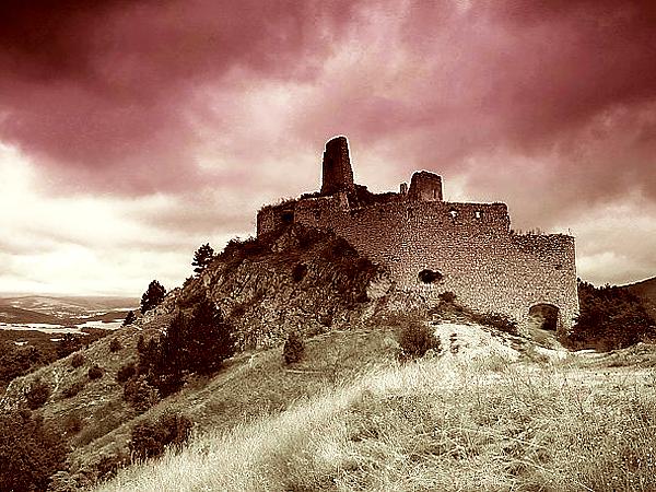 Ruiny zamku Čachtice (Fot. photo.sistek.name)