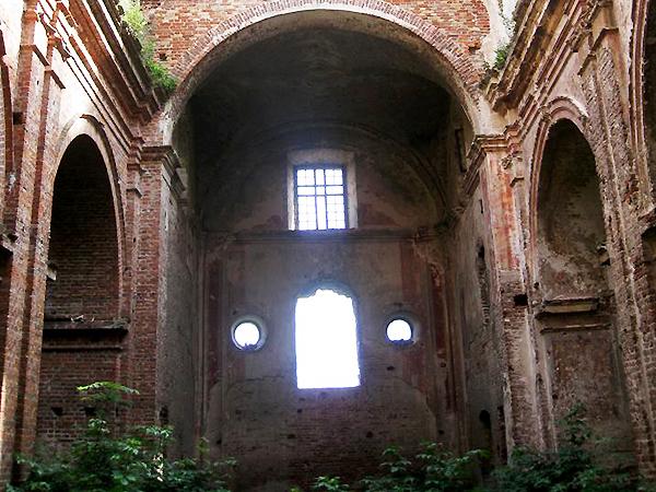 Klasztor w Kisielinie, zniszczony podczas ataku UPA (Fot. lekarz.volyn.ua)