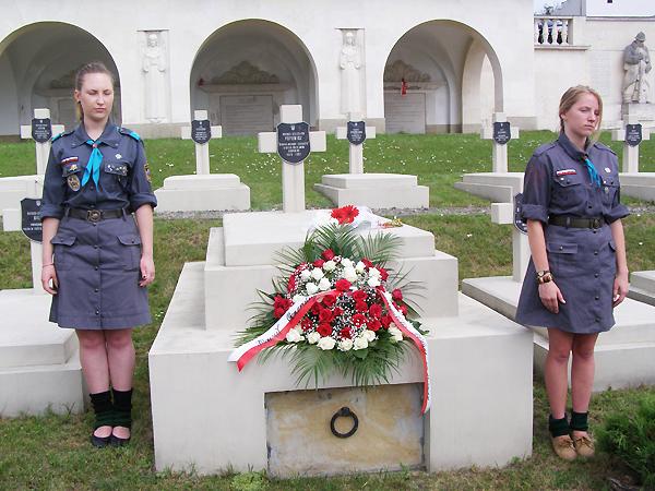 Przy grobie Bolesława Popowicza (Fot. Jurij Smirnow)