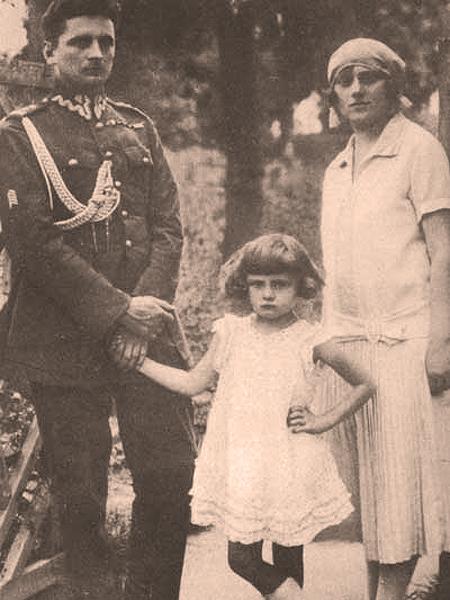 """Stefan """"Grot"""" Rowecki z rodziną (Fot. sww.w.sz.pl)"""