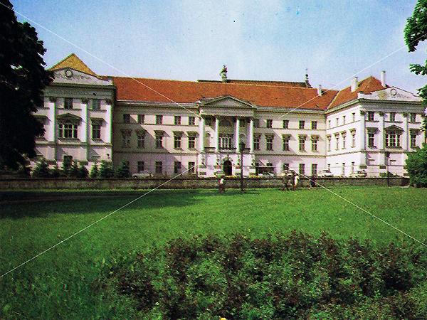 Widok pałacu Gubernatora od strony Parku, 1978 (Fot. J.Malinowski/muzeumfotografiikalisza.pl)