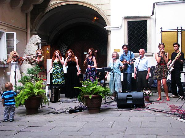Zespół pieśni żydowskiej Warniczkes-Folk (Fot. Julia Łokietko)