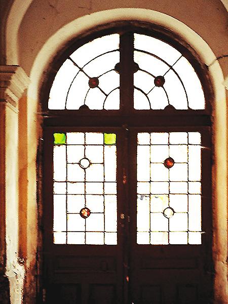 Wewnętrzna brama jednej z kamienic na byłej ul. Kamińskiego (Fot. Tadeusz Olszański)